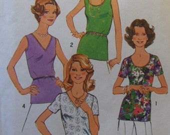 1970s Vintage Sewing Pattern  Simplicity  7911  Miss Size 12 Tops