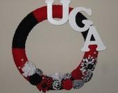 Customizable College Football Yarn Wreath 14 inch - UGA with Felt flowers