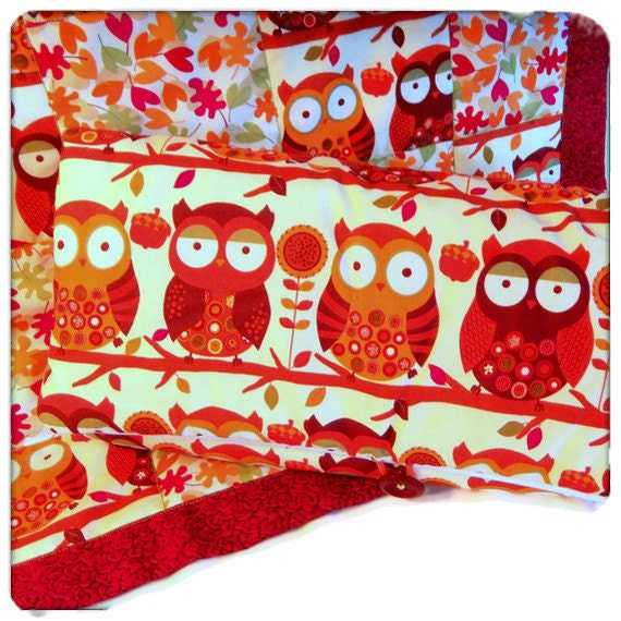 Black Friday Etsy/Cyber Monday Etsy/Diaper Clutch & Baby Quilt / Baby Gift Set / Owls