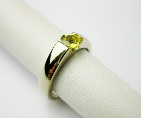 1/2ct.Yellow Sapphire Ring, 14K White Gold, 1970s, 4mm. Natural Gem Pressure Mounted, Studio Made, Vintage, USA.