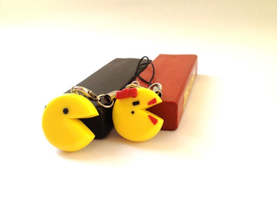 Cute couple Pac-Man Mobile Phone Charms/ Keychains - Polymer clay