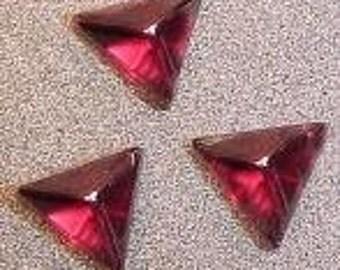 3  5.5mm - 6mm garnet triangle cabochon gem gemstone 3852