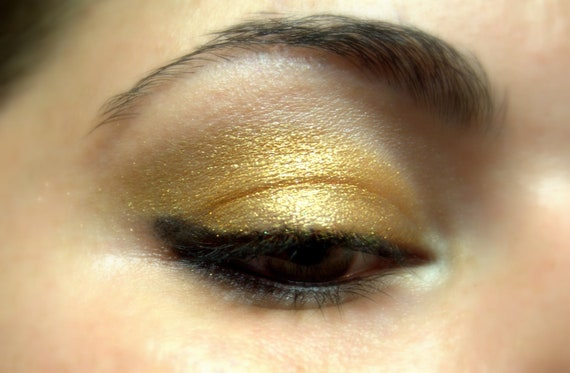 Golden Eye shadow Natural Mineral Golden by FierceMagenta