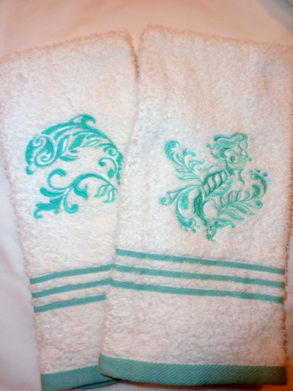 Set of 2 bathroom towels embroidered Hand Towels White with