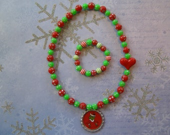 The Grinch Stretch Necklace and Bracelet Set