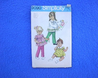 REDUCED AGAIN SALE Vintage 1970 Simplicity Pattern 9090 Was 3.00 Then 1.50 Now 0.99