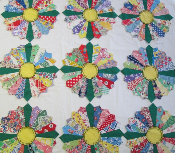 Antique Dresden Plate Quilt Top Blocks Vintage 1930s Fabric Feedsack Embroidered Pieces