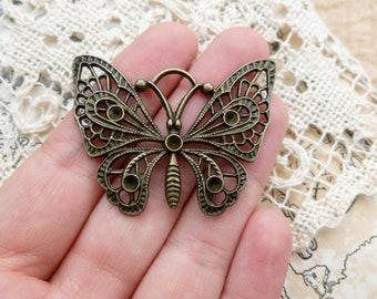 1x Filigree Butterfly Pendant, Antique Brass Pendant C328