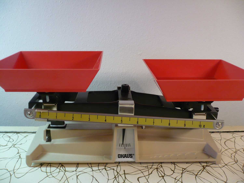 Retro Ohaus School Science Balance Scale