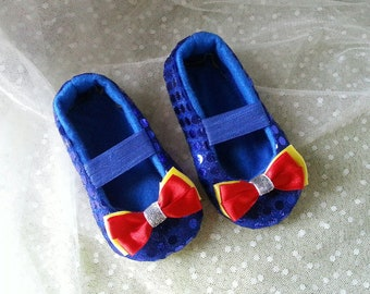 Snow white Baby Shoes - Baby Girl Shoes - Soft soled shoes - Baby Gift - Newborn Shoes - Toddlers Shoes - Baby shower.