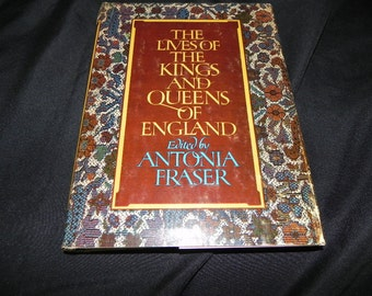 Vintage  Book The Lives of The Kings And Queens of England 1975 very Educational