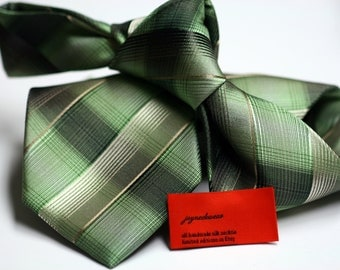 Silk Tie in Checks with Green and Beige