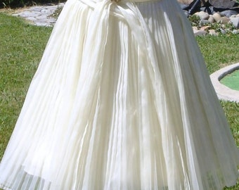 ON SALE   Stunning Marilyn Pleated Skirt 1950's Party Prom