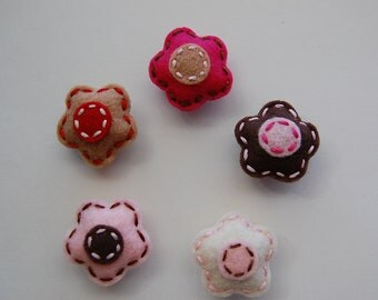 Felt magnets. Felt Flower magnets.  Set of 5
