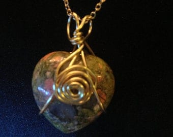"25mm Unakite Heart Reversble Pendant, Gold-Plated 20"" Curb Chain"