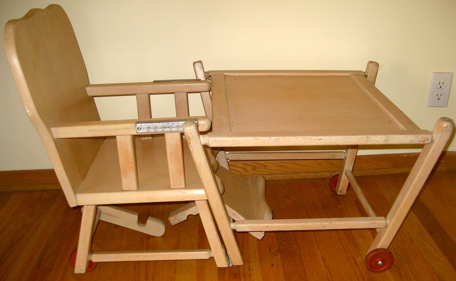 Vintage 50s high chair converts into art table