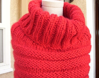 Chunky Red Cowl