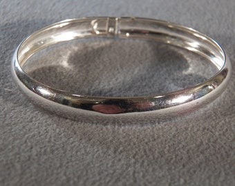 Vintage Sterling Silver Smooth Domed Wide Classic Flexible Bangle Bracelet