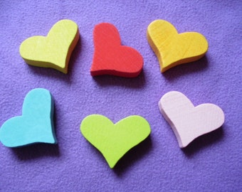 6 colored wooden hearts (101)