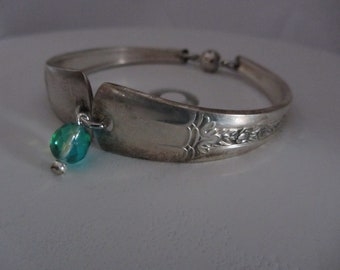Vintage Handmade Spoon Bracelet w Charm - Magnetic Clasp Size 7 to 8 - Antique Old Silver Plated 6872