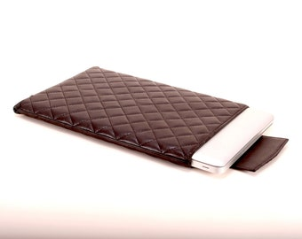 Leather laptop sleeve // in black - quilted (italian calf leather) - FREE SHIPPING, unique solution