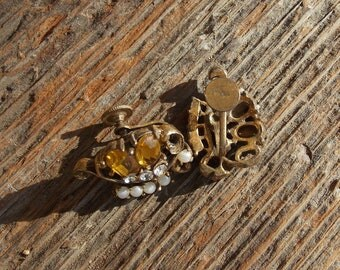Vintage Yellow and Pearl Costume Jewelry Screw On Earrings