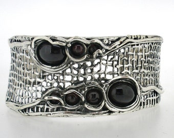 "Handcrafted 925 Sterling Silver ""Net"" Bracelet Unique Design by Poran. Garnet stones. Made In Israel"