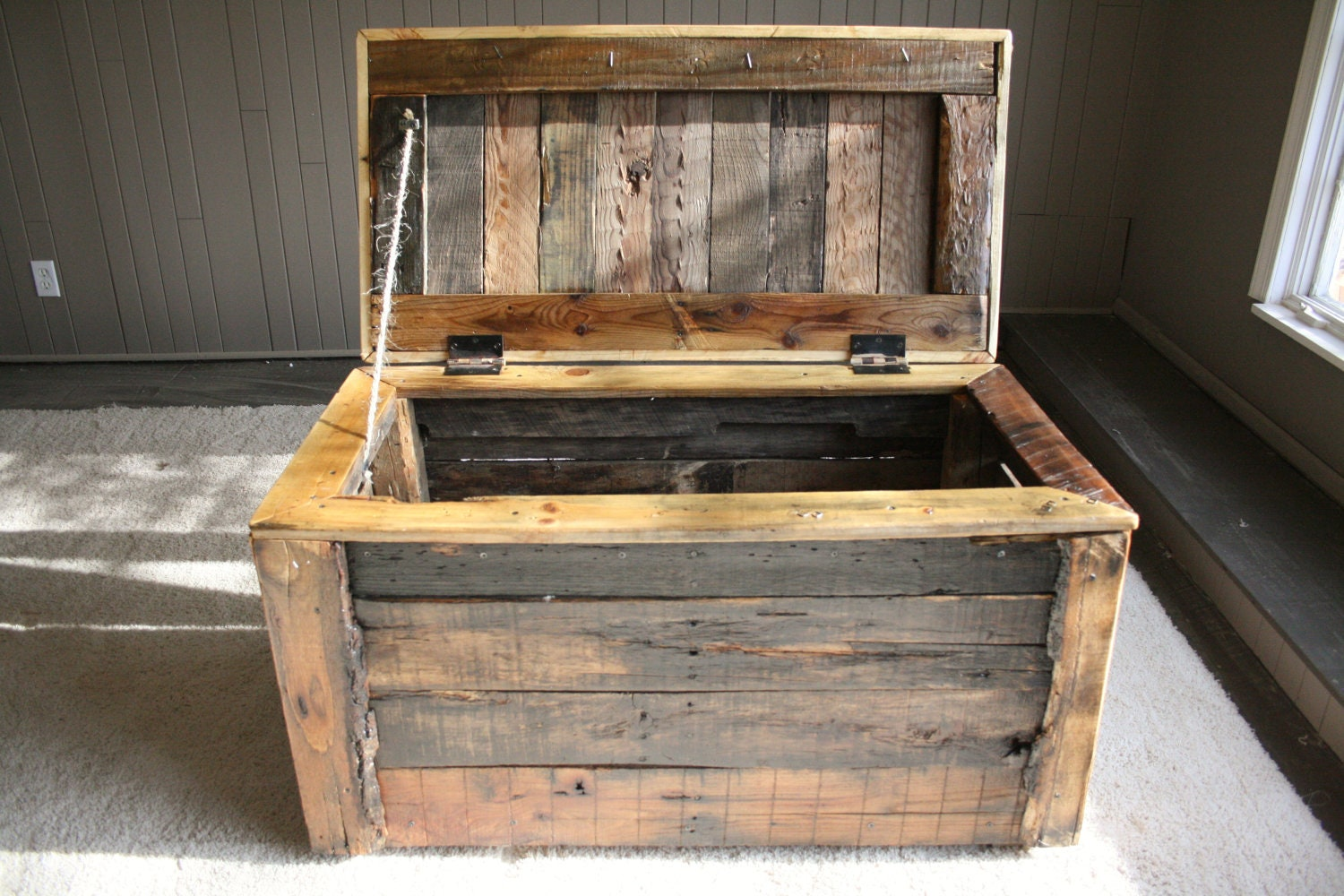 Ready To Ship Pallet Wood Storage Box