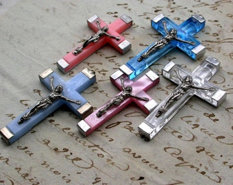 French Vintage cross lot 6 pink bkue crucifix in silver tone metal lucite vintage pendant charms signed France Lourdes