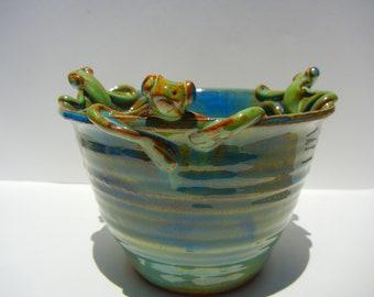 Three Frog Bowl Medium Stoneware