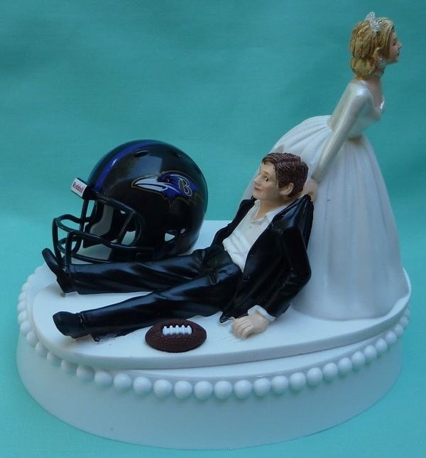 wedding cake topper baltimore ravens football themed w garter. Black Bedroom Furniture Sets. Home Design Ideas