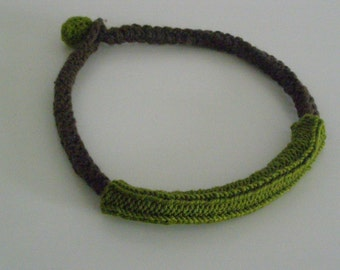 Brown and green wool necklace