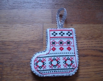Christmas boot embroidered in red and green metallic