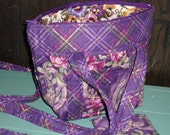 Prequilted fabric shoulder bag purse, small.