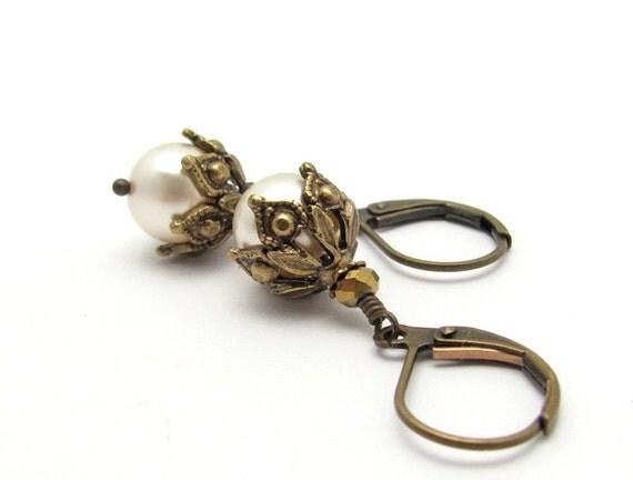 Pearl Earrings, White Pearl Earrings, Wedding Jewelry, Steampunk Wedding, Swarovski Crystal Pearls, Cream White, Bridal Earrings