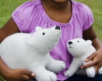 Flurry and Fluff stuffed felt polar bears PDF pattern