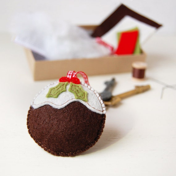 Christmas Pudding Keyring Decoration - Make Your Own - Sewing Kit - Christmas Gift - Children's Sewing - Creative Activity