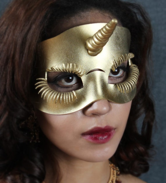 Unicorn leather mask in gold