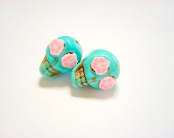 Pink Hawaiian Hibiscus in Small Turquoise Day of The Dead  Sugar Skull Beads-12mm