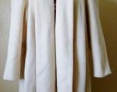 vintage SWING coat. union made. cream swing coat. mantle coat.  L/XL