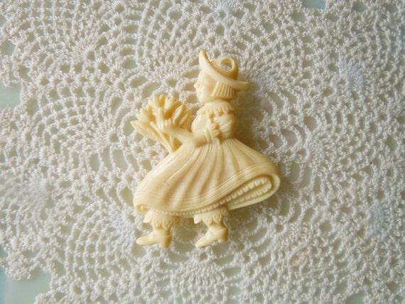 Valentines Day Vintage 1950s Mid Century Charm Dutch Girl Plastic Ivory Cream