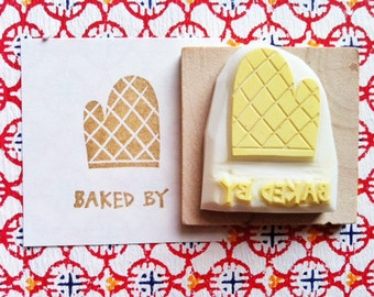 baked by rubber stamp. kitchen mitten stamp. baking bakery patisserie. packaging for baked meals sweets gifts. hand carved by talktothesun