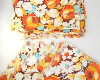 TABLE LINENS VINTAGE autumn themed set- tablecloth & 4 napkins