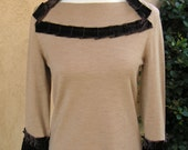 Women's Medium Upcycled Pullover Sweater - Camel Surprise