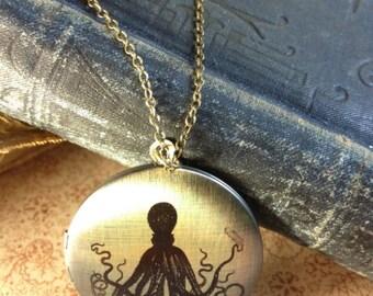 Locket Necklace - Octopus - Vintage Illustration - Weird Nautical Steampunk Victorian Squid Jewellery