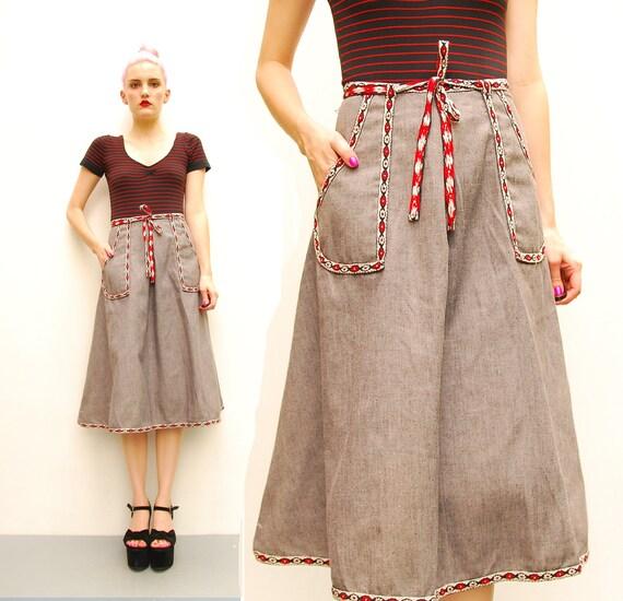 70s Dark Gray Wrap Skirt - FOLK High Waist Flared Skirt - 1970s Floral German // Swiss Trimmed Pleated A Line Skirt - S M 6 8