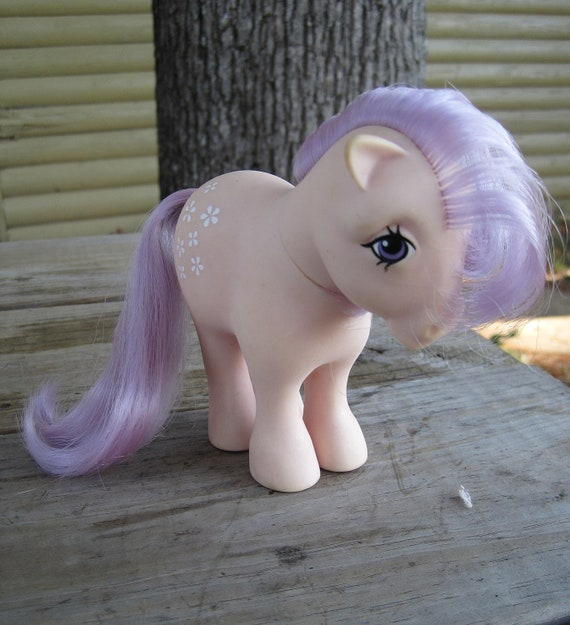 Vintage 1980s My Little Pony - G1 Concave Foot Blossom