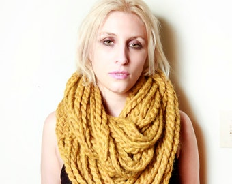 The Millbrook Infinity Circle Chain Scarf in Gold Heather Yellow 100% Soft Wool