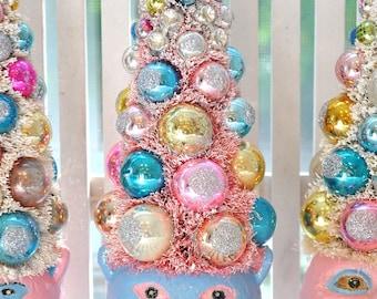 HalloWeeN Bottle Brush Tree Pink & Aqua cat vintage glass Christmas ornaments garland Shabby Chic bottlebrush trees spooky creepy cat