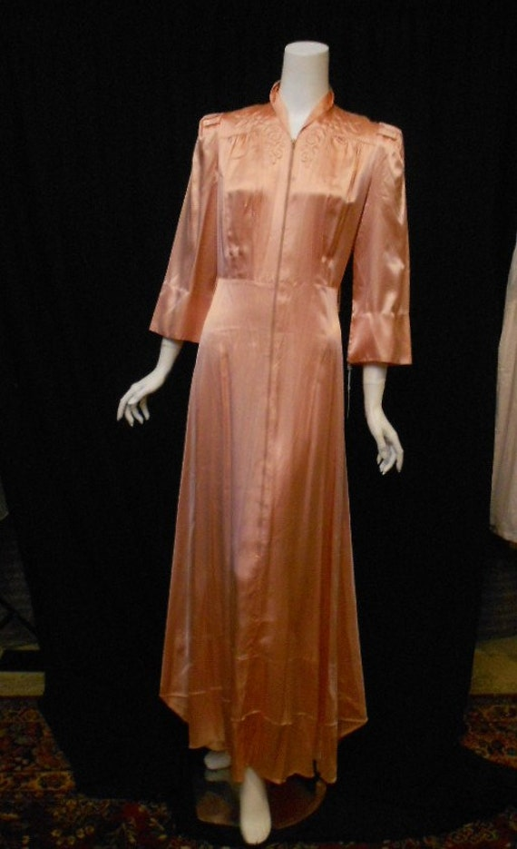 Vintage 1930s 1940s Peach Satin Dressing Gown by ...